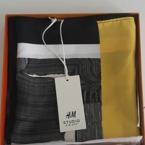 H M studio  scarf